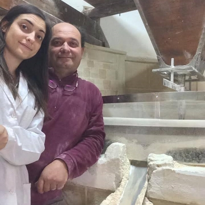 Molino Soprano is a old stone mill in Chiaramonte Gulfi, in the province of Ragusa, specialized in the production of old Sicilian wheat and pasta. Franco and Vanessa Distefano are keepers of local Sicilian seeds.